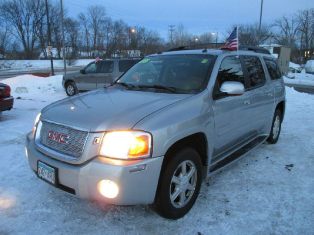 2005 GMC Envoy XL LS 2500hd CREW CAB 4X4 Diesel
