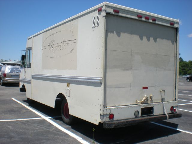 1989 GMC P-30 SH AWD Technology Backage