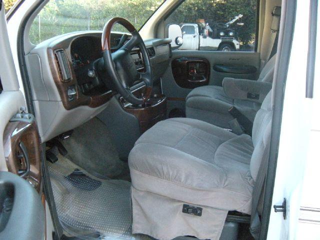 2002 GMC Savana 2004.5 4dr Sdn 1.8T Quattro Au