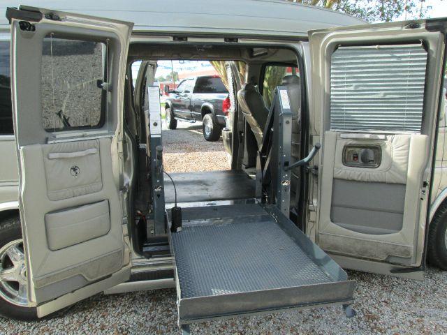 2004 GMC Savana REG CAB 1495 Down