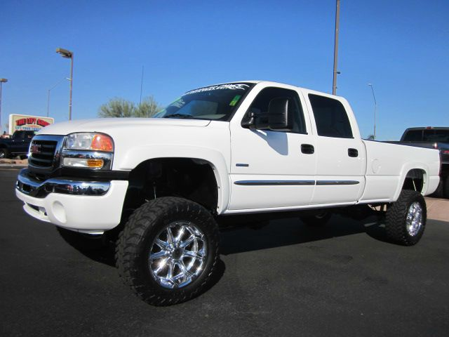 2006 GMC Sierra 2500 4WD 4dr AT