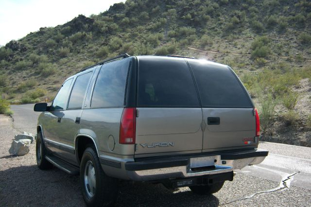 1999 GMC Yukon 4x4 Crew Cab LE