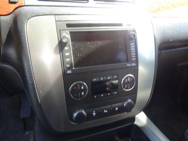2007 GMC Yukon Ram 3500 Diesel 2-WD