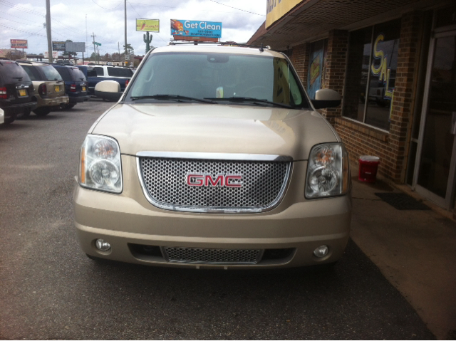 2007 GMC Yukon Denali EX - DUAL Power Doors