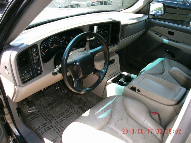 2000 GMC Yukon XL C350 4dr Sdn 3.5L Sport RWD Sedan