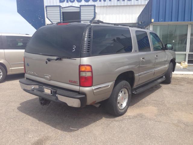 2001 GMC Yukon XL C350 4dr Sdn 3.5L Sport RWD Sedan
