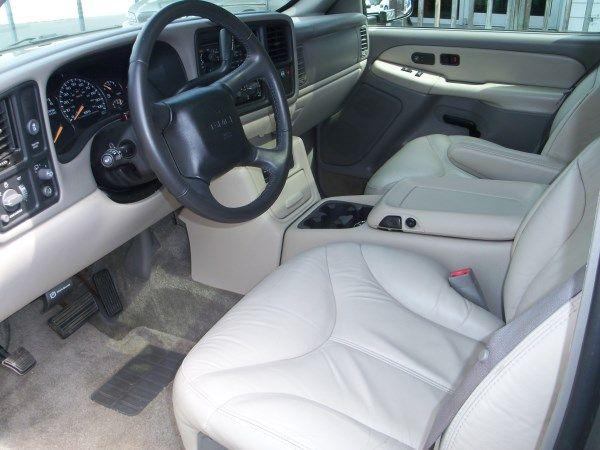 2002 GMC Yukon XL C350 4dr Sdn 3.5L Sport RWD Sedan