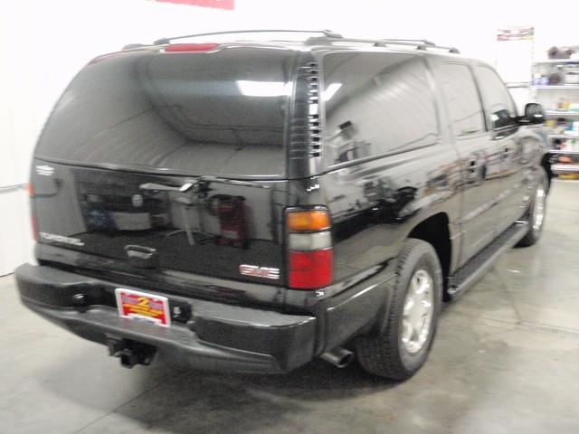 2005 GMC Yukon XL EX Sedan 4D