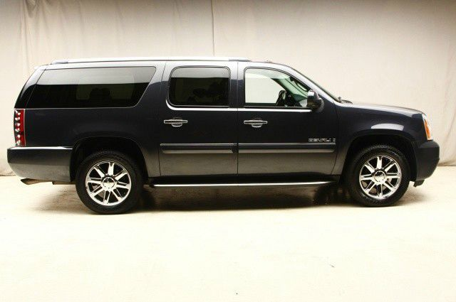 2008 GMC Yukon XL SXT Van