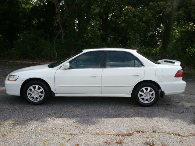 1999 Honda Accord ZQ8 LS