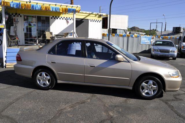 2000 Honda Accord WRX Premium 4-door