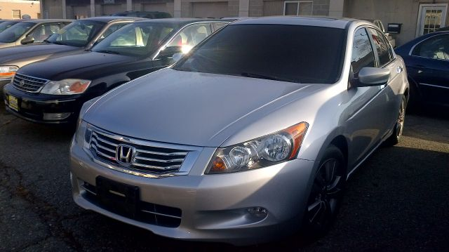 2009 Honda Accord 2011 Toyota Limited