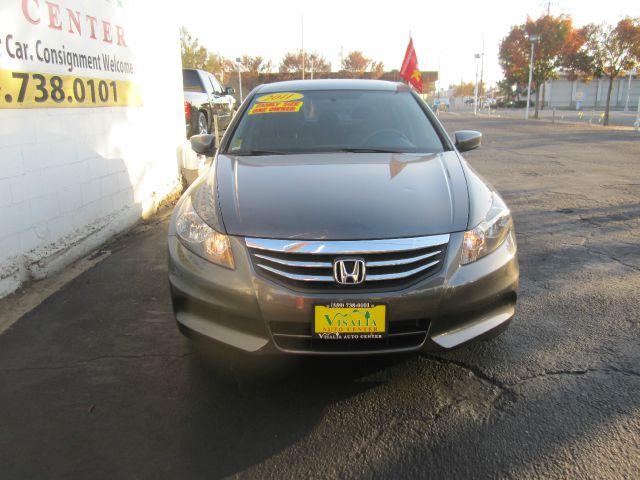 2011 Honda Accord 2dr Reg Cab 120.5 WB