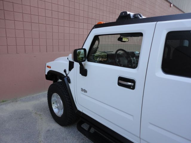 2003 Hummer H2 2007 Nissan Enthusiast