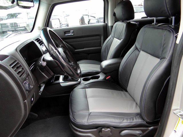 2008 Hummer H3 1996 Nissan