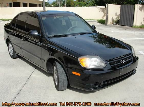 2003 Hyundai Accent Slt,4x4,1-owner,3rd Seat