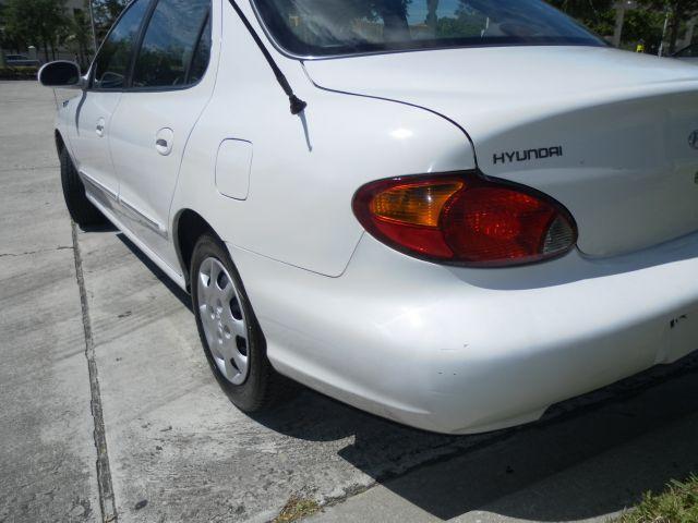 2000 Hyundai Elantra FWD 4dr Sport
