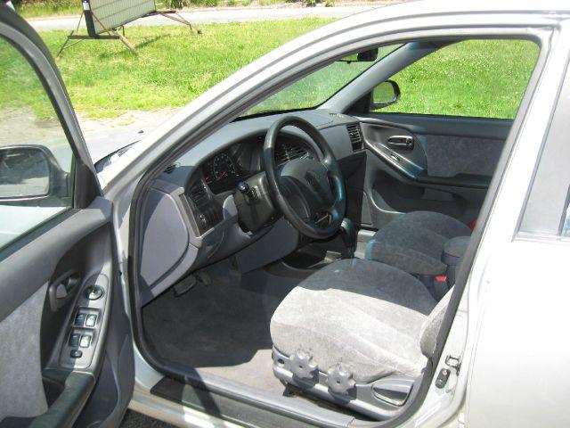 2002 Hyundai Elantra FWD 4dr Sport