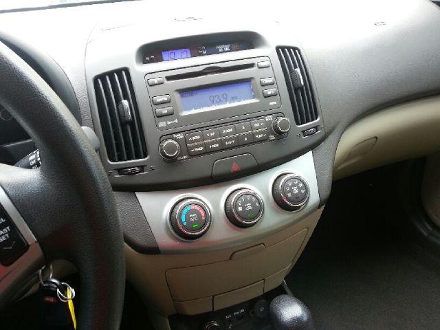 2010 Hyundai Elantra FWD 4dr Sport