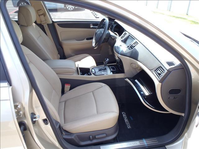 2011 Hyundai Genesis Crew Cab 4WD