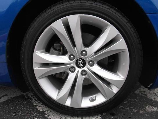 2010 Hyundai Genesis Coupe 2008 Dodge