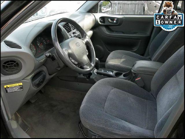 2004 Hyundai Santa Fe 4dr Sdn 2.4L FWD