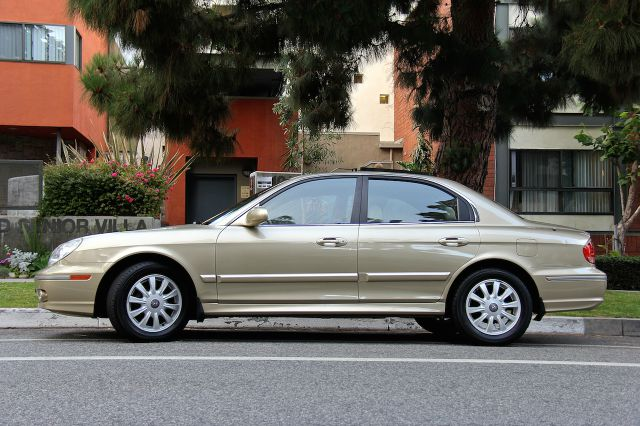 2002 Hyundai Sonata 4WGN