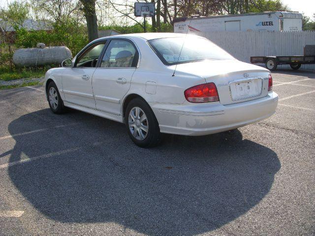 2003 Hyundai Sonata Base