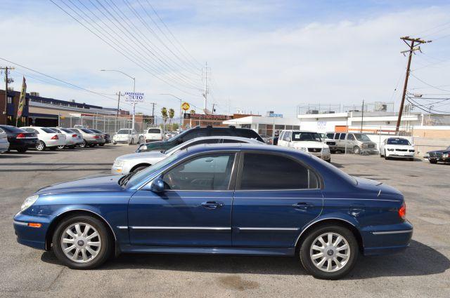 2003 Hyundai Sonata 4DR SE (roof)