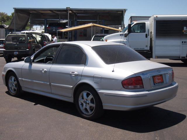 2005 Hyundai Sonata FWD 4dr Sport