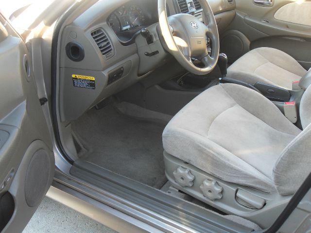 2005 Hyundai Sonata Base