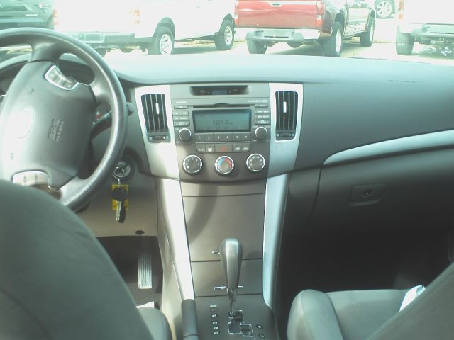 2010 Hyundai Sonata FWD 4dr Sport