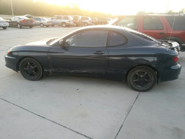 1997 Hyundai Tiburon Sport - 4x4 Loaded