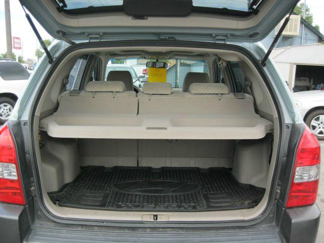 2005 Hyundai Tucson Supercab SRW 4X