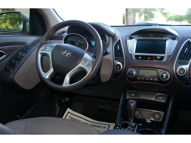 2012 Hyundai Tucson SLT 25