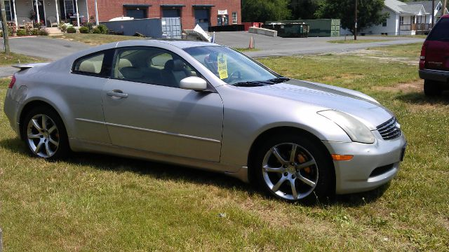 2004 Infiniti G35 XB - ONE Owner