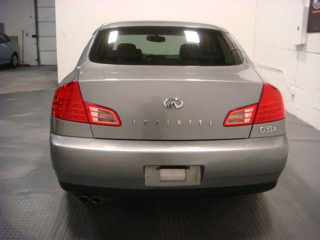 2004 Infiniti G35X 5DR WGN FWD AT