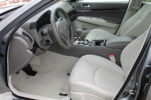 2010 Infiniti G37x S Cabriolet 2D