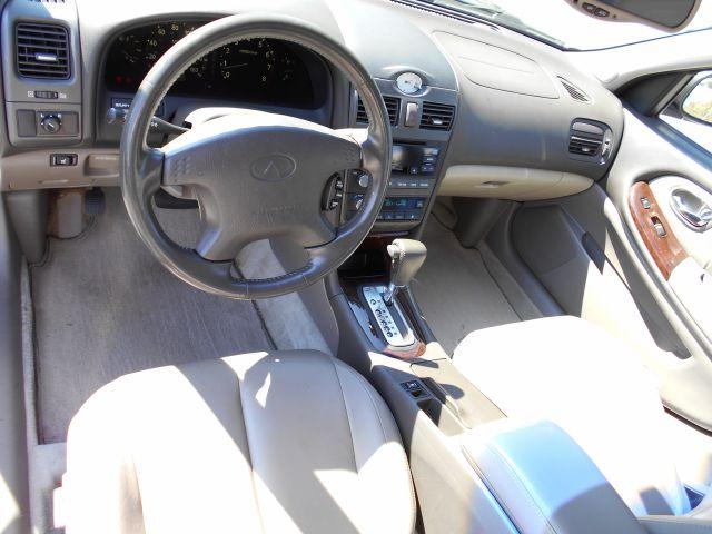 2000 Infiniti I30 Coupe