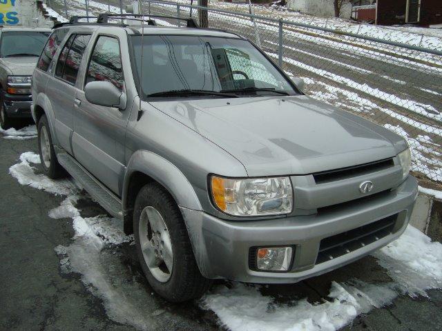 2001 Infiniti QX4 Ram 3500 Diesel 2-WD