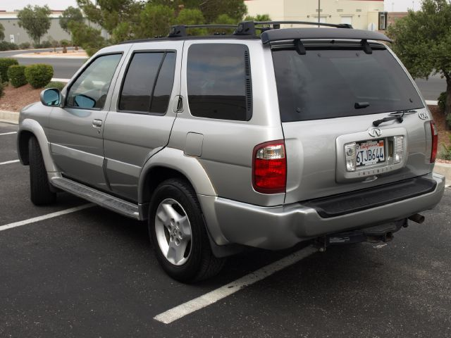 2002 Infiniti QX4 Ram 3500 Diesel 2-WD