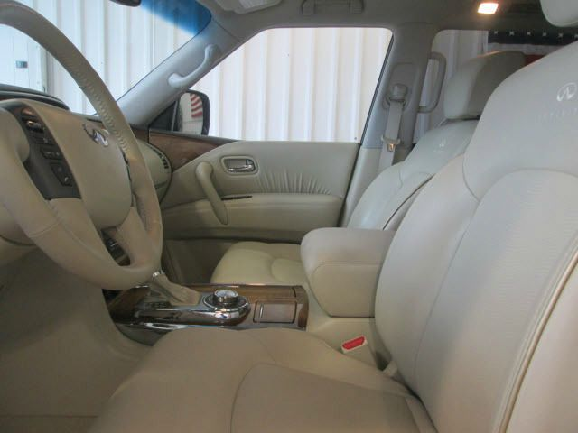 2013 Infiniti QX56 Ram 3500 Diesel 2-WD