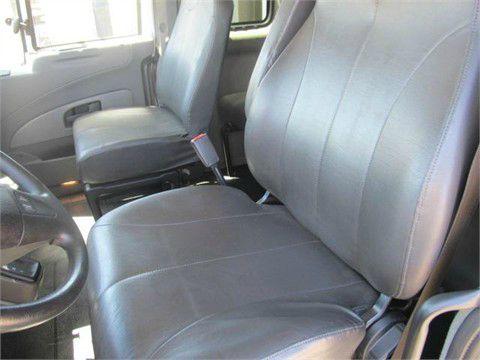 2011 International 440 ext cab low pro Heavy Duty 8 Lug