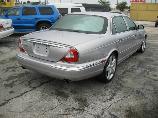2005 JAGUAR XJ8 Sport Alloys Sunroof