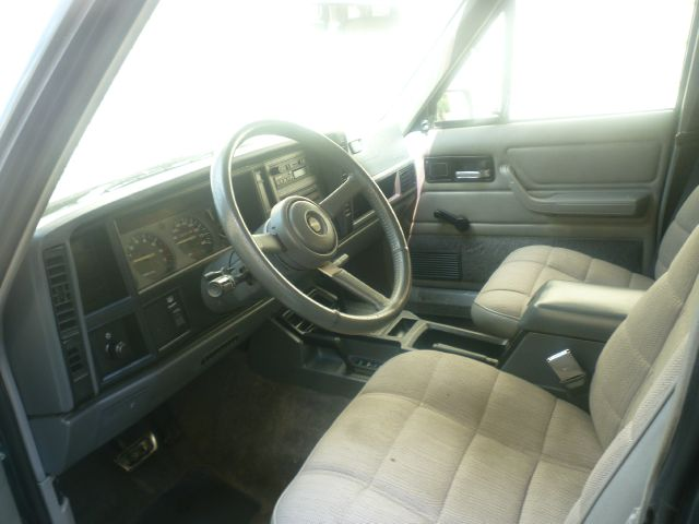 1993 Jeep Cherokee 2WD Ext Cab Manual