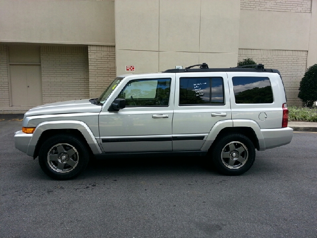 2007 Jeep Commander Extended Cab V8 LT W/1lt