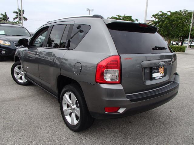 2011 Jeep Compass 2.4 A SR 5dr Wgn W/sunroof