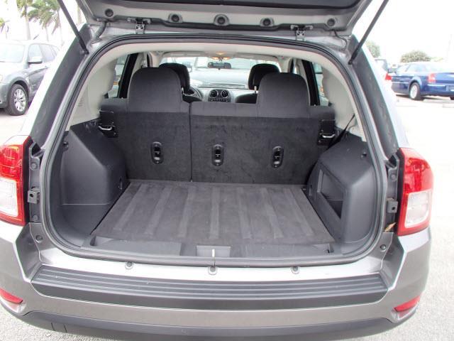 2011 Jeep Compass 2.4 A SR 5dr Wgn W/sunroof