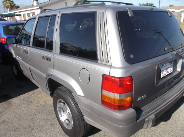 1998 jeep grand cherokee diesel 0 down from 4 9 apr details boston ma 02124. Black Bedroom Furniture Sets. Home Design Ideas