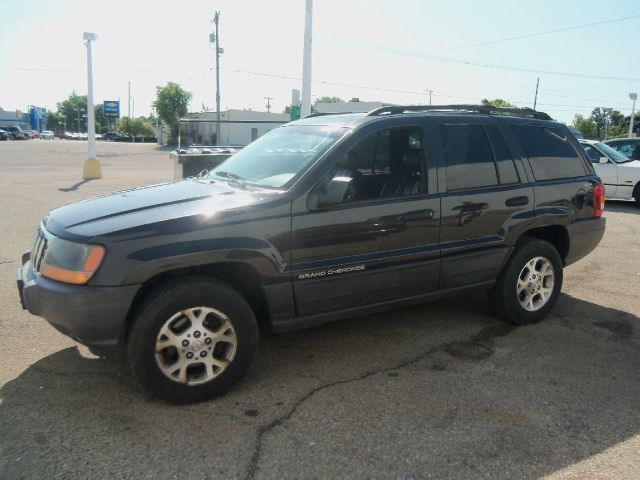 1999 Jeep Grand Cherokee LS Flex Fuel 4x4 This Is One Of Our Best Bargains